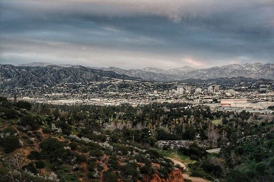 Yesterday's weather was just perfect 👌 Cant wait for this hiking season, its gonna be a great one with all the homies 😊😉 Conquer_la Conquer_ca Sangabrielmountains Glendale DiscoverLA Socalhiking Socalshooters Nikon Nikontop Vscocam Vscogood