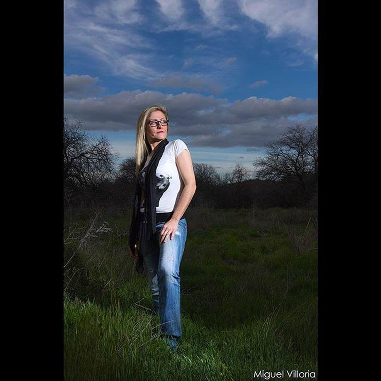 """Retrato en """"noche americana"""" Fotografia Photography Chica Girl Color Colour Modelo Model Flash Nocturna Nocturnal Retrato Portrait Modeling"""