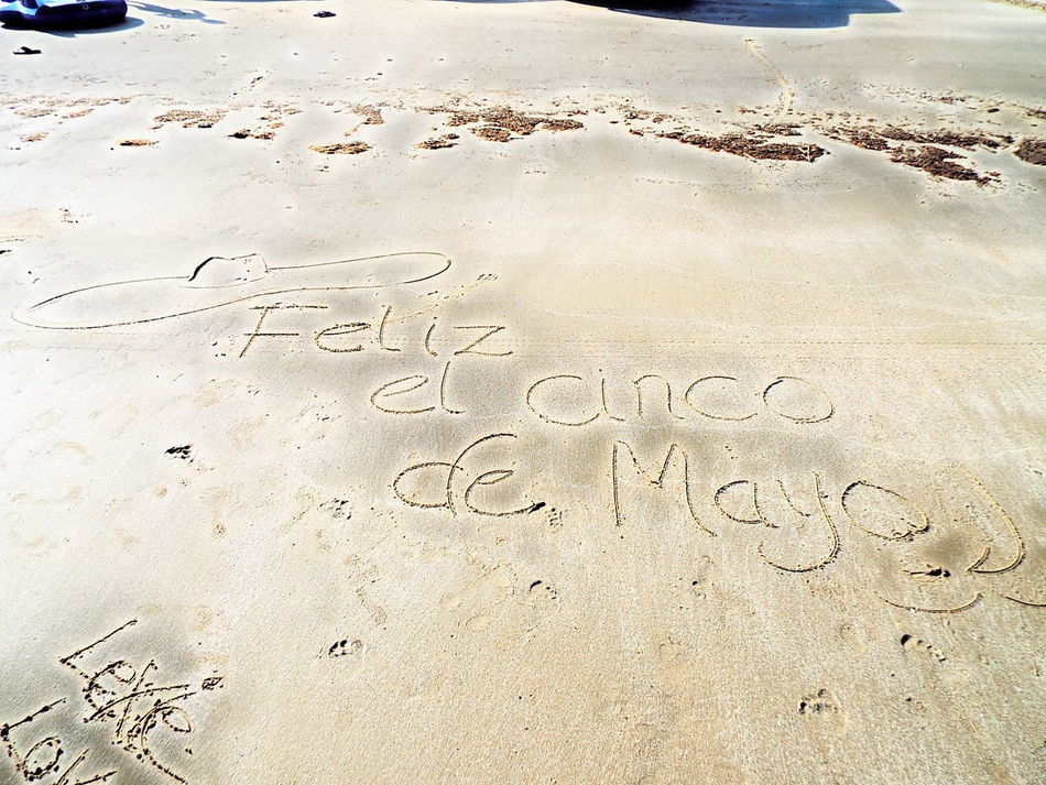 Hanging Out Taking Photos Check This Out Enjoying Life The Great Outdoors With Adobe Beach Galveston Texas Beach Life Cinco De Mayo Happy Beach Art Drawing In The Sand  43 Golden Moments