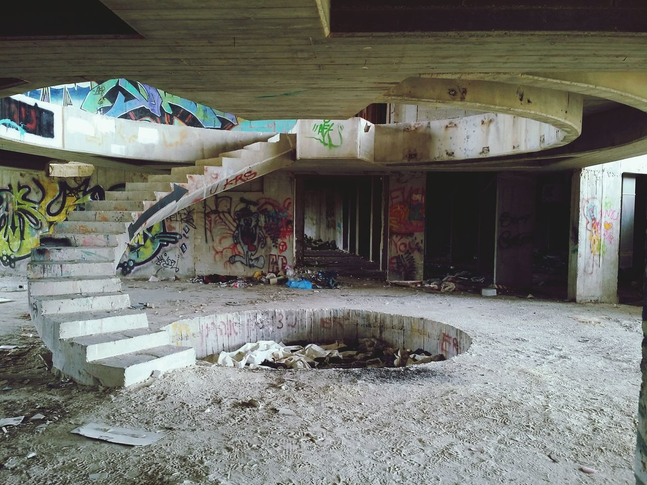 abandoned, destruction, architecture, no people, desolate, indoors, day