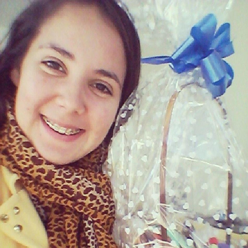 Coelhinho da páscoa que trazes pra mim? 1 kg, 2 kg, 3 kg assim! Kkkk Páscoa2014 Presentedapatroa Happy Selfie chocolate