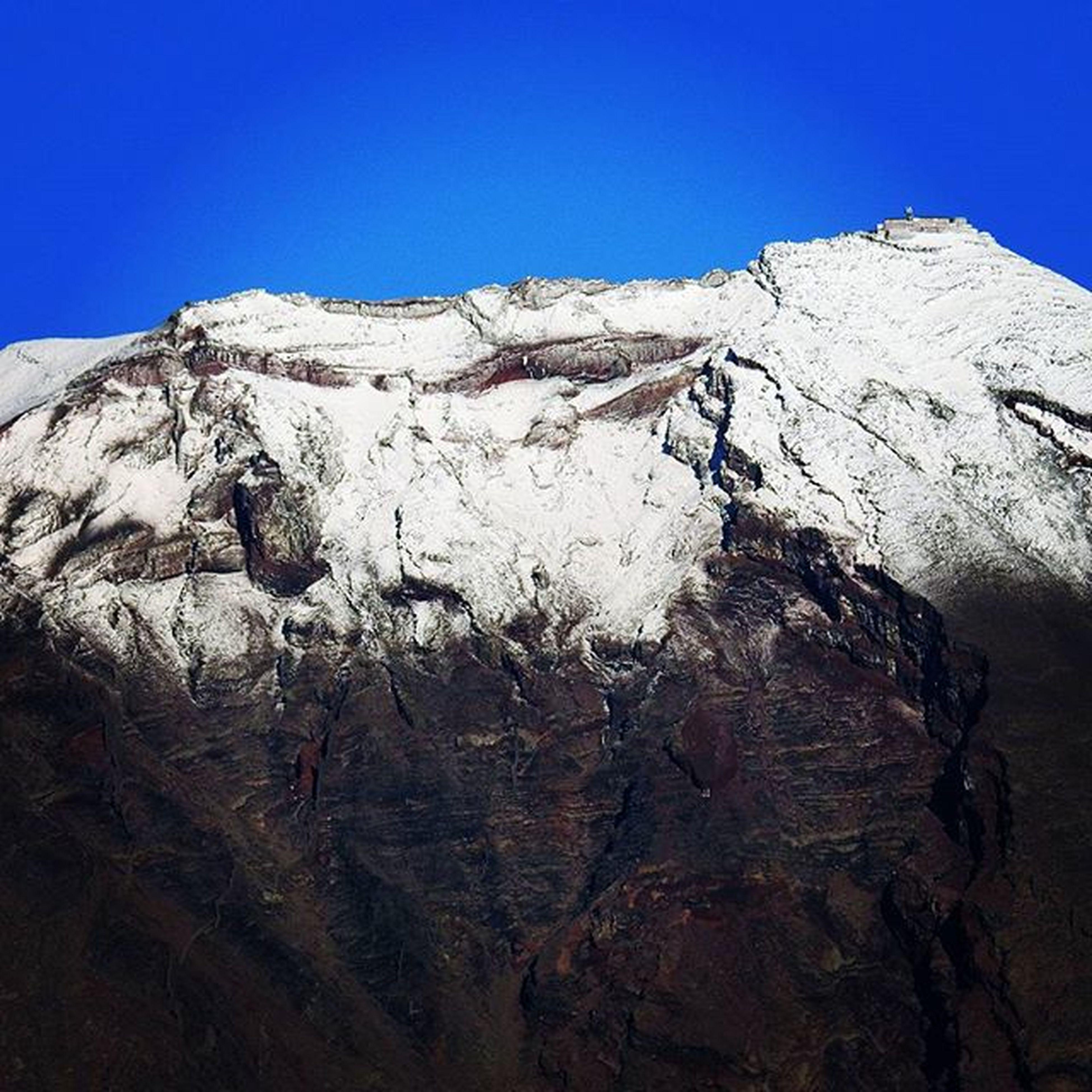 富士山 初冠雪 富士山頂 いでぼく Nikon P900 手撮り 12月12日