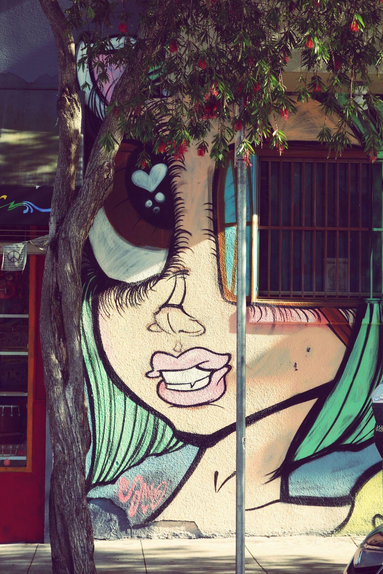 Color Photography Streetphotography Graffiti California Tree Outdoors Eyeemphotography Day Cartoon Manga Girl Big Eyes