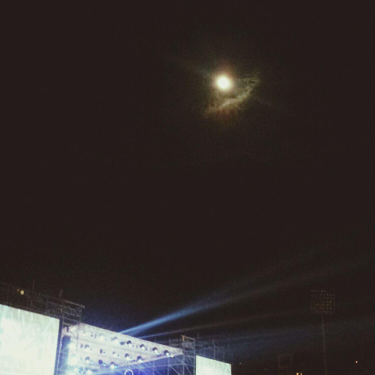 今晚。Music Light People Moon