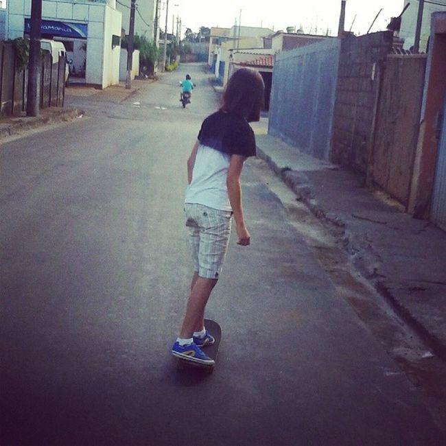 Skate é a arte da vída, anda quem quer, mais é fera quem pode.