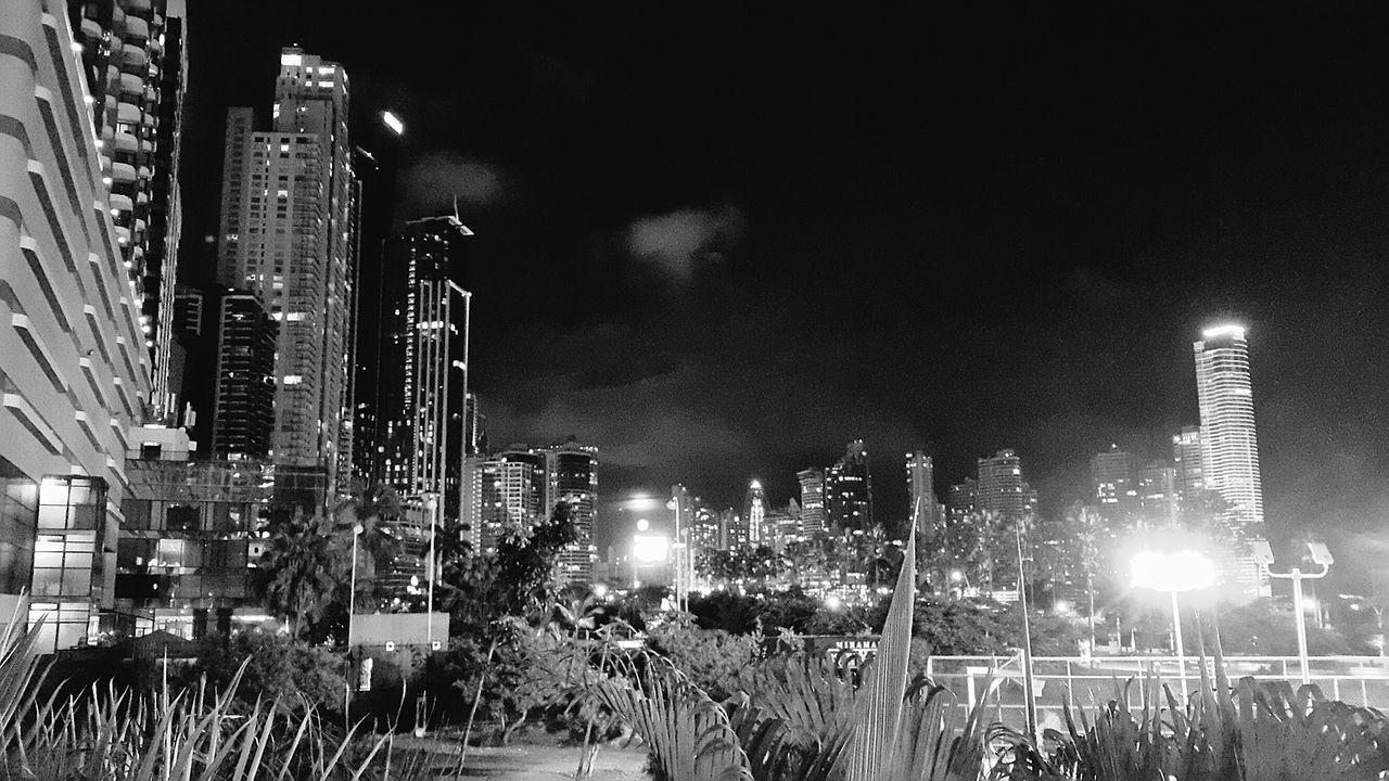 Monochrome Photography EyeEm EyeEm Gallery City City Life Skyscraper Moon Illuminated Urban Skyline Built Structure Cityscape Sky Nature Photo Of The Day Panama City Panamá Tower Samsung Galaxy Note 4 EyeEmGalley Photo