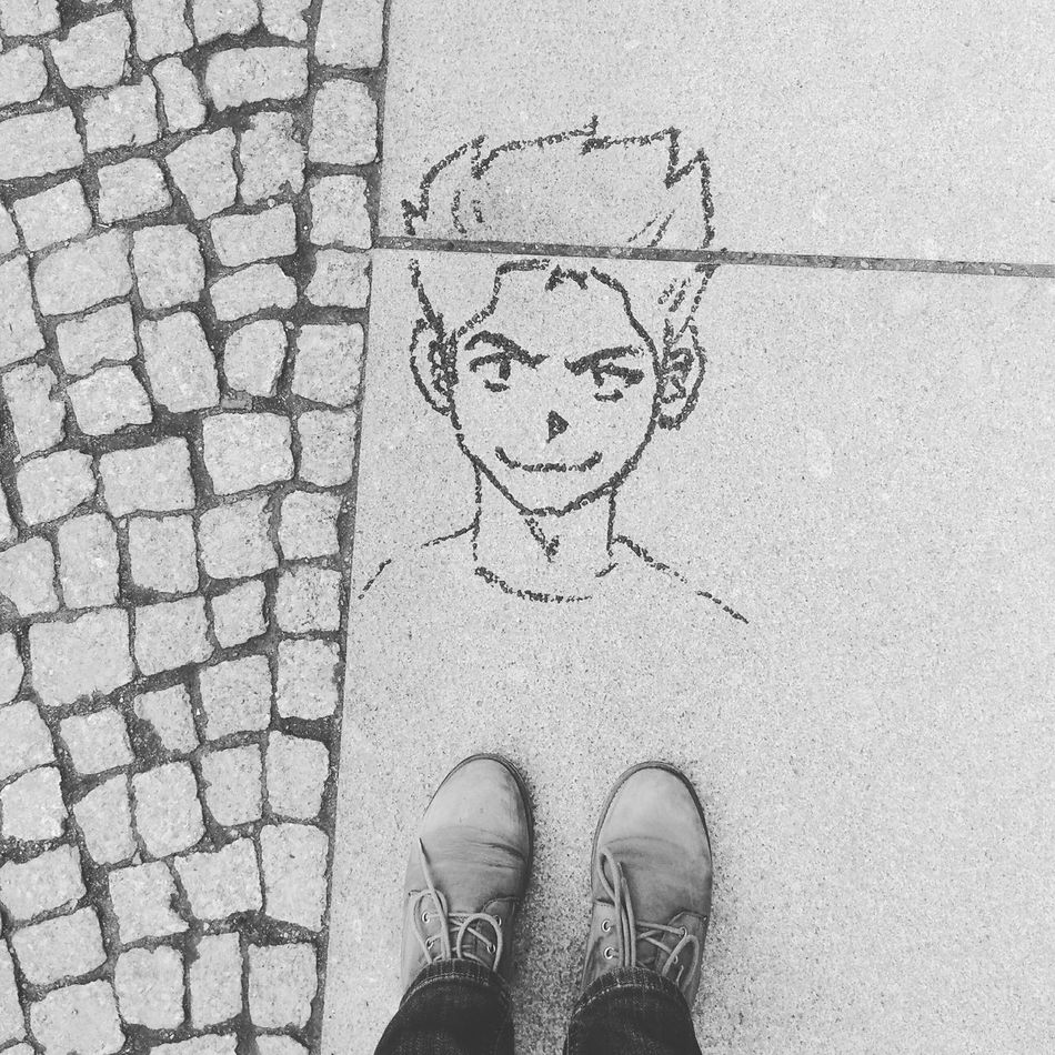 From Where I Stand I See Faces (The Original) Berlin Shoes Blackandwhite I See Faces Streetphotography Streetart Myfuckingberlin Graffiti Ihavethisthingwithfloors Looking Down Black And White Kiez Street Urban On The Road Walking Around New Haircut Sunday Signs ShoePorn Face Minimalism Fashion Welcome To Black