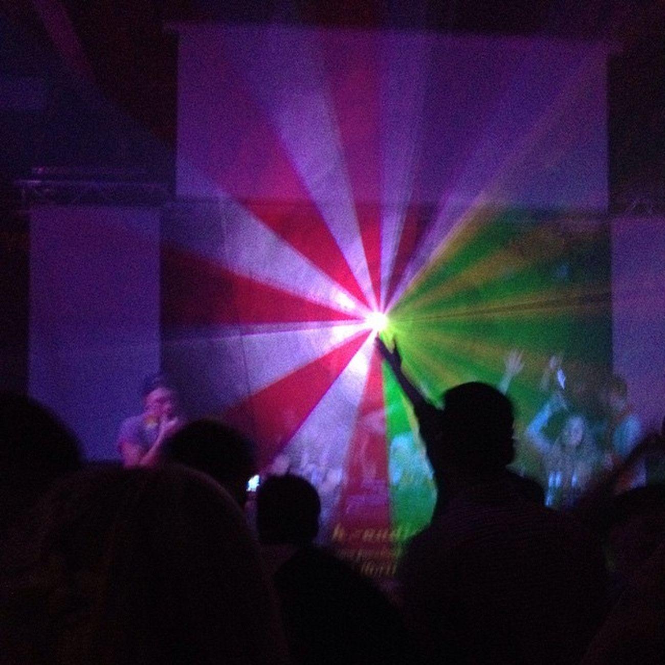 Alle Tanzen Geiler Rave techno techno abgehen gönnen harsum