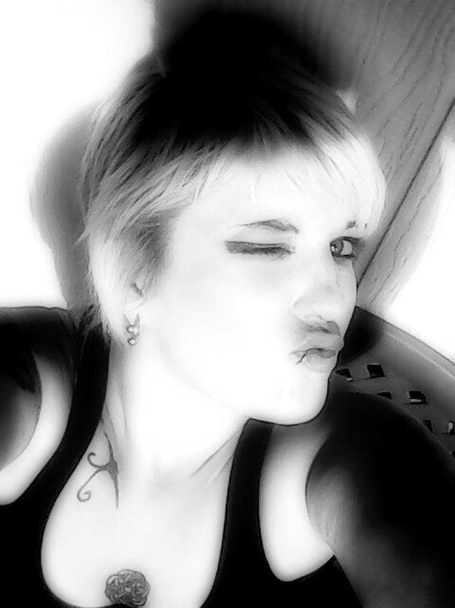 Hedlite Media Yahtzi Blackandwhite Kisses ♥