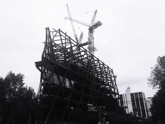 Las ciudad de los departamentos o edificios. Building Build Stone Tower Everywhere Days Out Days  Blackandwhite Cityview