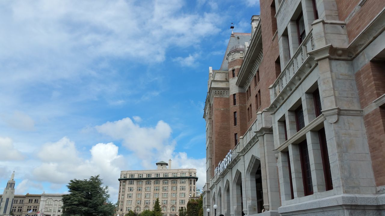 cloud - sky, sky, architecture, building exterior, built structure, low angle view, day, no people, outdoors, city, tree