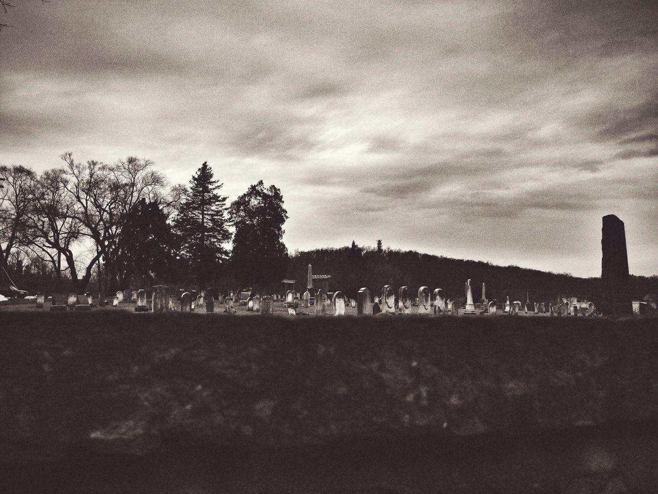 Cemetery Vscocam Noir