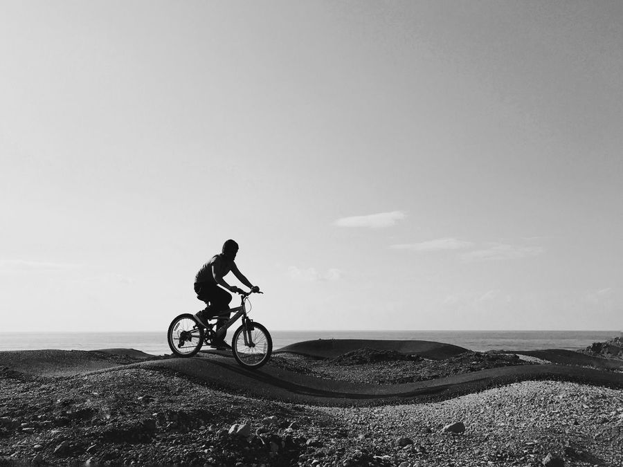 Bicycle One Person Cycling Leisure Activity The Street Photographer - 2017 EyeEm Awards IPhone 7 Plus Mode Of Transport Lifestyles Riding Adventure Men Nature Mountain Bike Scenics Landscape Sky Cycling Helmet מייחיפה מייסקייט מייאייפון7 Shotoniphone7plus IPhone7Plus מייאופניים Welcome To Black Break The Mold