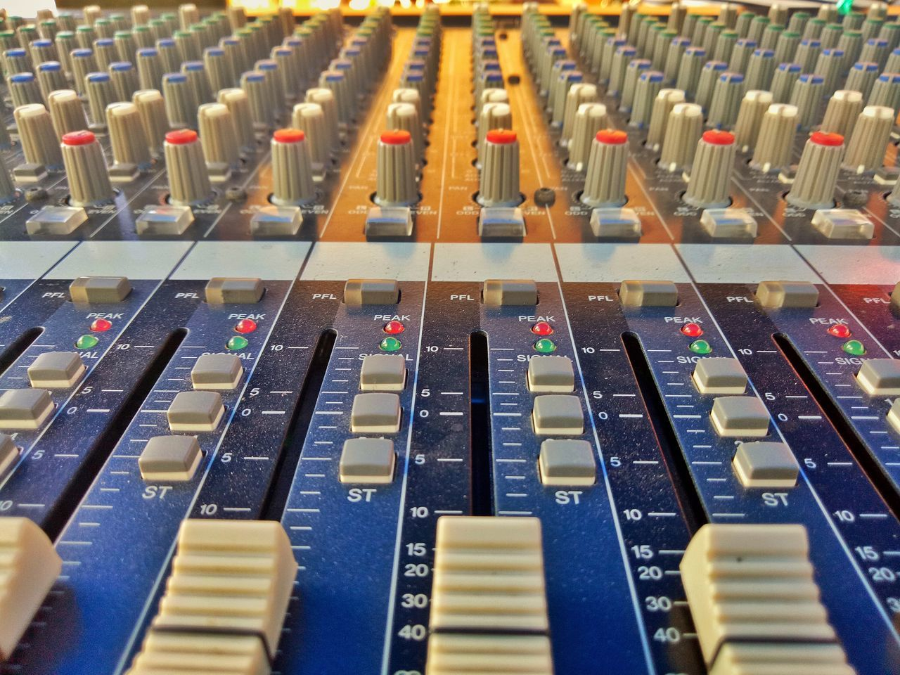 Sound Mixer Sound Recording Equipment Recording Studio Mixing Music Control Control Panel Broadcasting Audio Equipment Studio Close-up Knob Technology Arts Culture And Entertainment Indoors  No People Radio Station Day