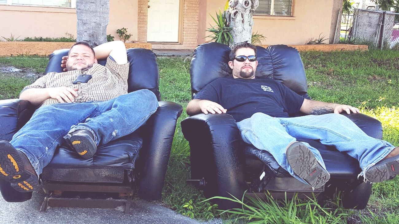 Chillin on a lazy Florida fall afternoon. Handome guys son and son in law. Love them Relaxing Son Son In Law* Lazy Afternoon Handsome Guys Sunny Afternoon Sunglasses :)