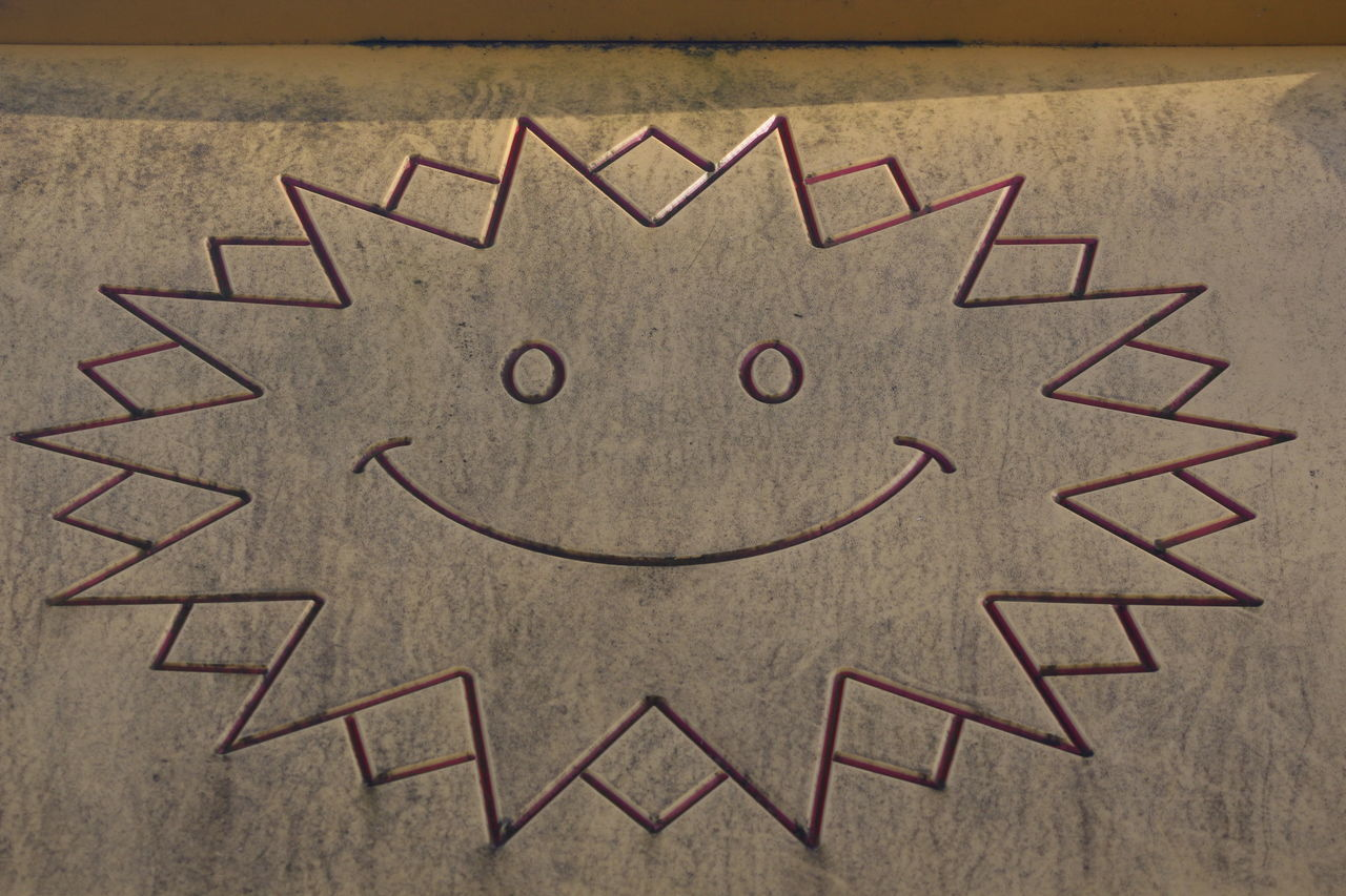 Super sunny SMILE! Anthropomorphic Smiley Face Asking Close-up Creativity Day Drawing - Art Product Indoors  Love No People