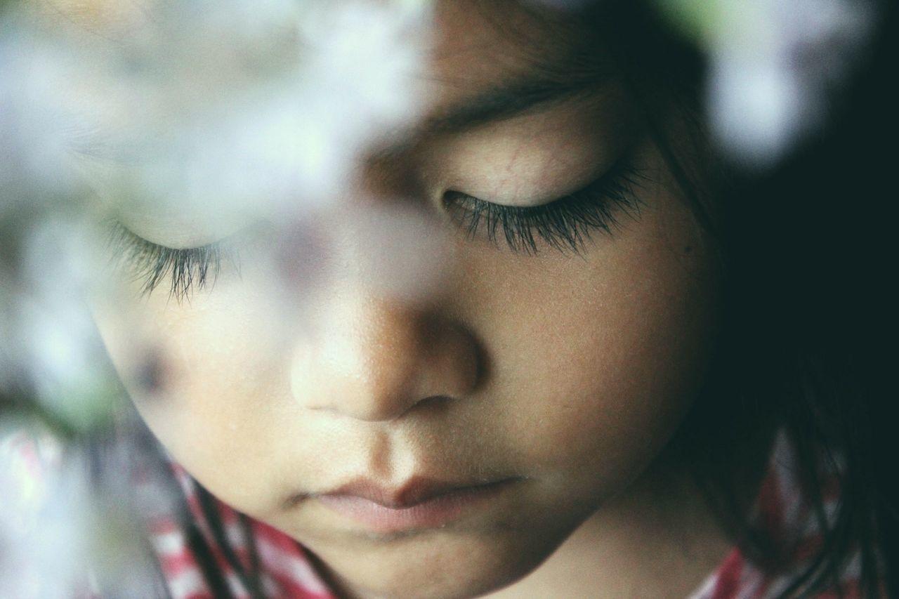 Feather kisses against her cheek with every blink.The Portraitist - 2017 EyeEm Awards One Person People Portrait Eyelash Beauty Childhood Getting Inspired EyeEm EyeEm Best Shots Fresh On Market 2017
