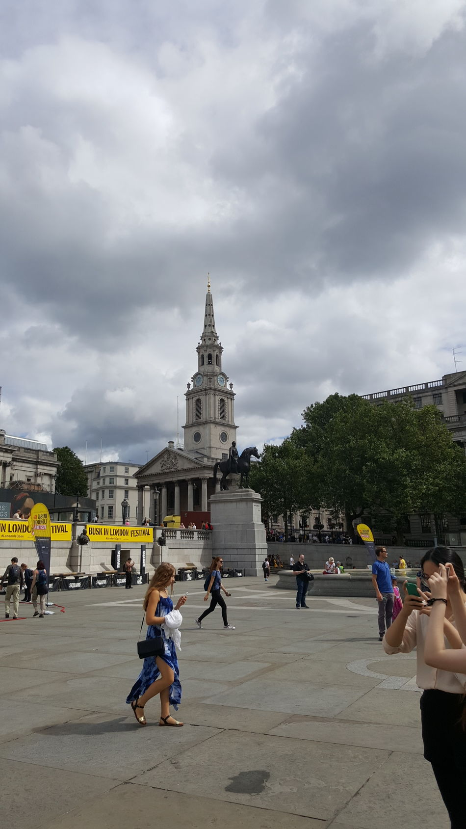 Adult Architecture Built Structure City City Break Cloud - Sky Day Full Length Men One Man Only One Person Only Men Outdoors People Sky Tourism Trafalgar Square Travel Destinations Vacations Young Adult