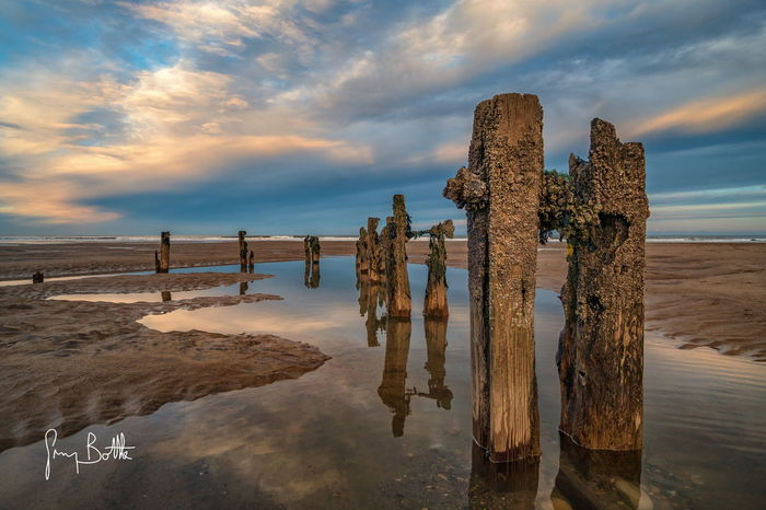 Groynes at sunset, Sandsend ,North Yorkshire . Cloud - Sky Outdoors Landscape Sunset Nature Beach Low Tide Nature_collection North Yorkshire Sony A6500 Sony Images Sonyalpha Eye4photography  Landscape_photography Seascape EyeEm Best Shots - Landscape Seascape Photography England, UK Sunrise_sunsets_aroundworld Beach Photography
