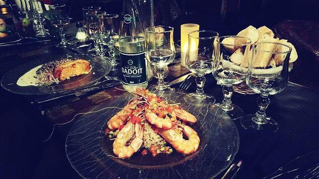 Dinner Time with friends Schrimp Bon Appétit!