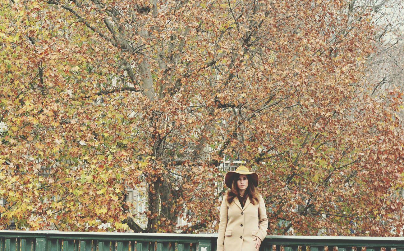 Paris is always a good idea Parisienne Autumn Colors Nature Urban Landscape
