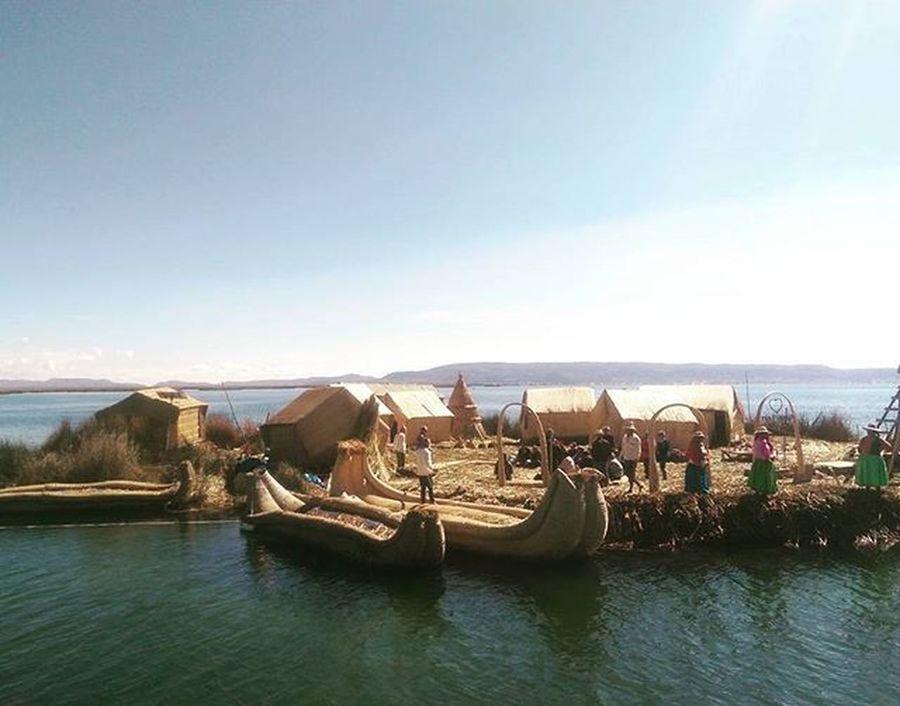 Uros Islands Peru Peru Traveling Travelgram Iloveperu Peruvianstyle Titicaca LakeTiticaca