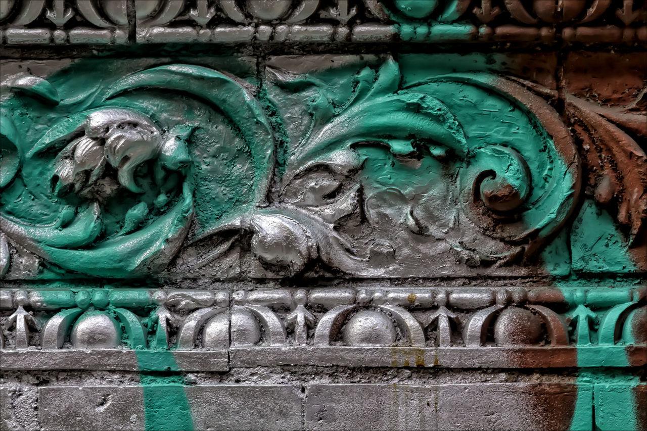 Close-up Graffiti Graffiti & Streetart Graffiti Wall Silver And Green Painted Wall