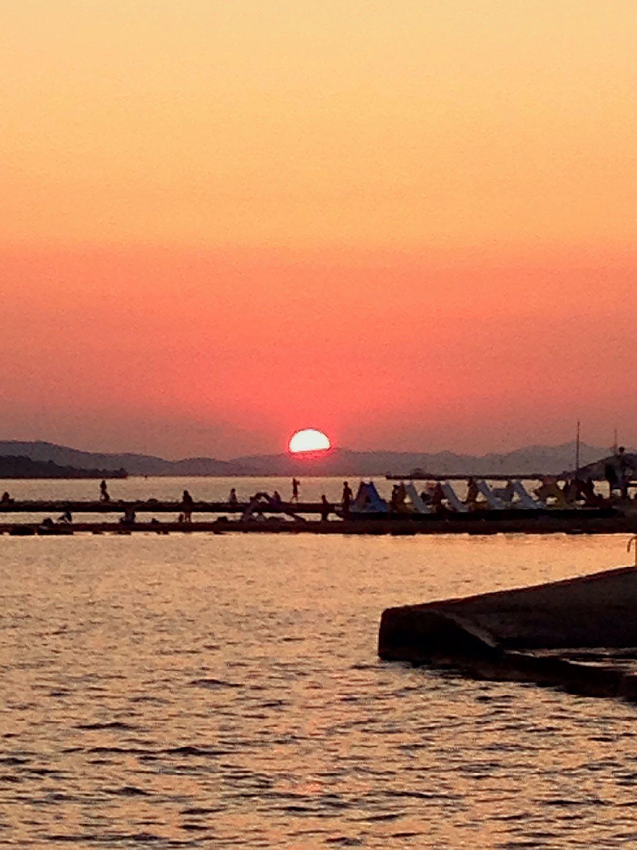 Sun going under the horizon