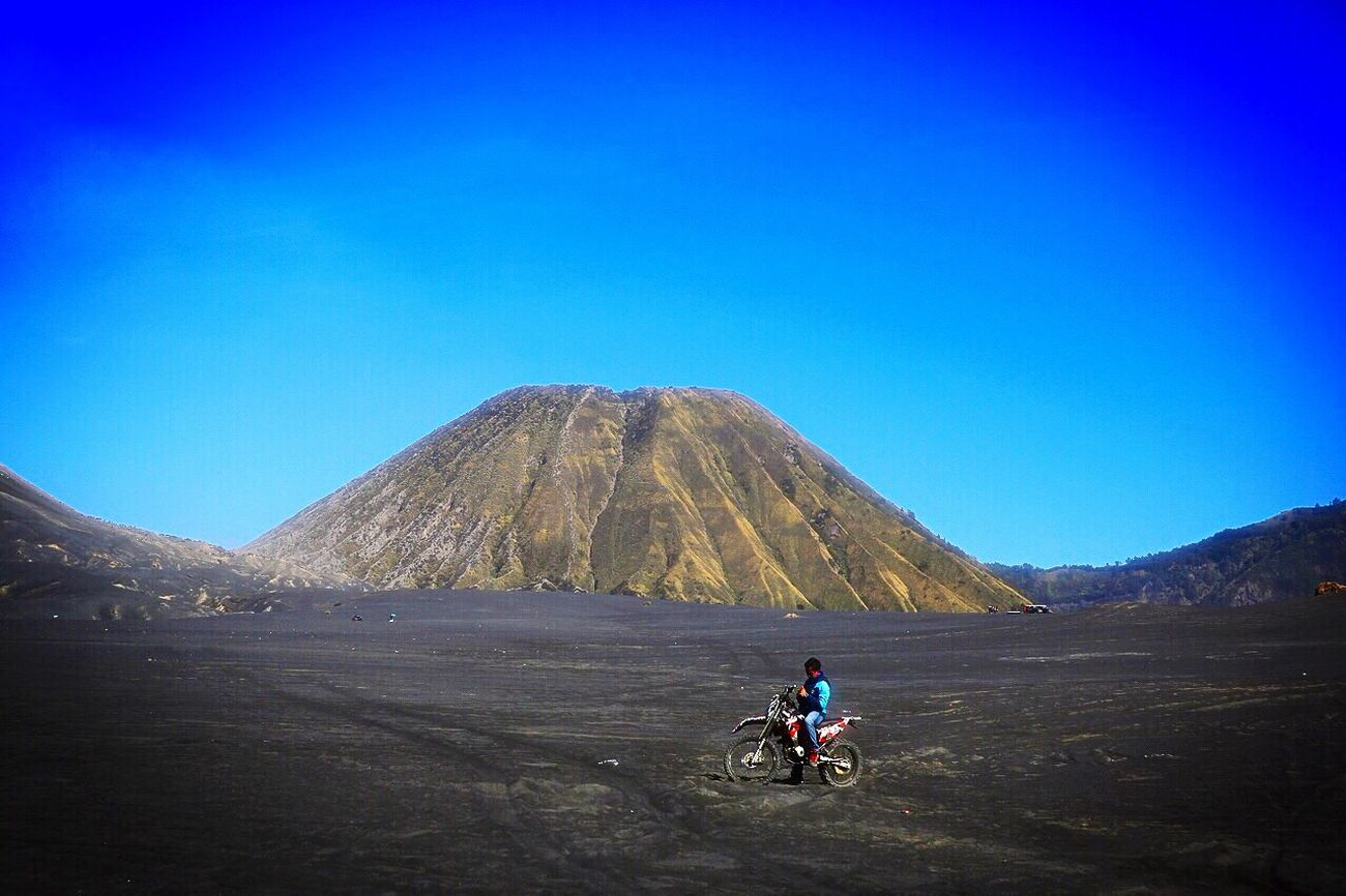 Bromo Tengger Semeru National Park Feel The Journey INDONESIA Hello World Enjoying Life EyeEm Masterclass Travel Photography Photojournalist EyeEm Indonesia EyeEm Nature Lover Wonderful Indonesia Pesonaindonesia Mountains Motocross Hanging Out Relaxing Tourism Taking Photos Photojournalism Relaxing