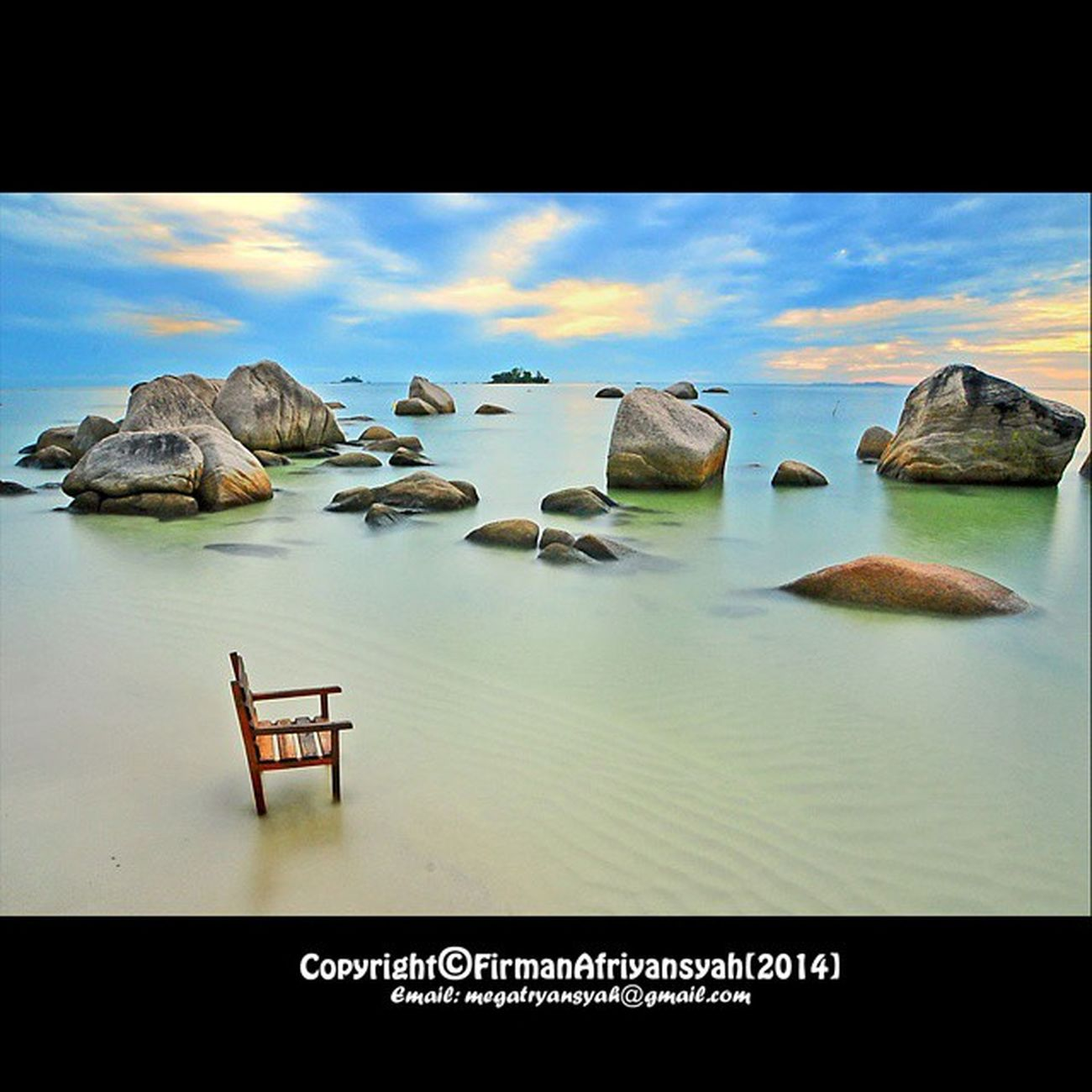 Keindahan alam dipagi hari kala mentari terbit di ufuk timur , riak ombak yang tenang menyejukkan hati, pantai trikora Bintan Cabana Resort KabupatenBintan Kepulauanriau Provincephotochallenge Publish di FOTOKITA sebagai salah-satu foto terbaik tahun 2014 : http://fotokita.net/blog/2014/12/fotokita-best-photo-of-the-year-2014/ Wonderfullkepri Wonderfulindonesia IndonesiaOnly Indonesia_photography Ig_nesia Photooftheday Thephotosociety SeaScapePhotography Indonesianaturephotography Inap Traditional Helloparadiset7 Bestpartofindonesia Viewerscorner Officialtrans7