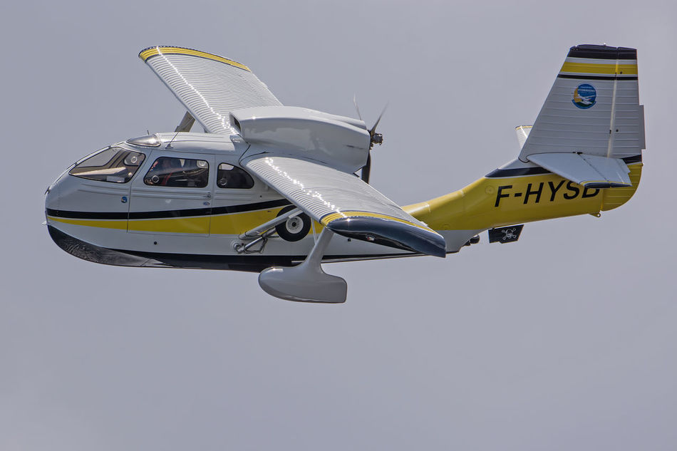 Aircraft Airplane Airshow Biscarrosse Blue Day Flight Flying Flying Spirit à Biscarrosse 2016 Low Angle View Meeting Mid-air Mode Of Transport Nature No People Outdoors Seabee Seaplane Sky Yellow