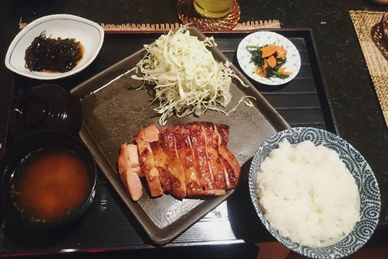 [Chikuan Japanese Restaurant] Cơm gà gì gì đấy k nhớ nữa 😌😌 . . Lozi Lozihn Lozihanoi Foodyhanoi Zizohanoi Foodporn Food Japaneserestaurant Japanesefood Foodstagram Instafood FoodADDICT Foody Foodie Fooddiary Fooddaily Rice Chicken Misosoup Yummy Susfoodtrip