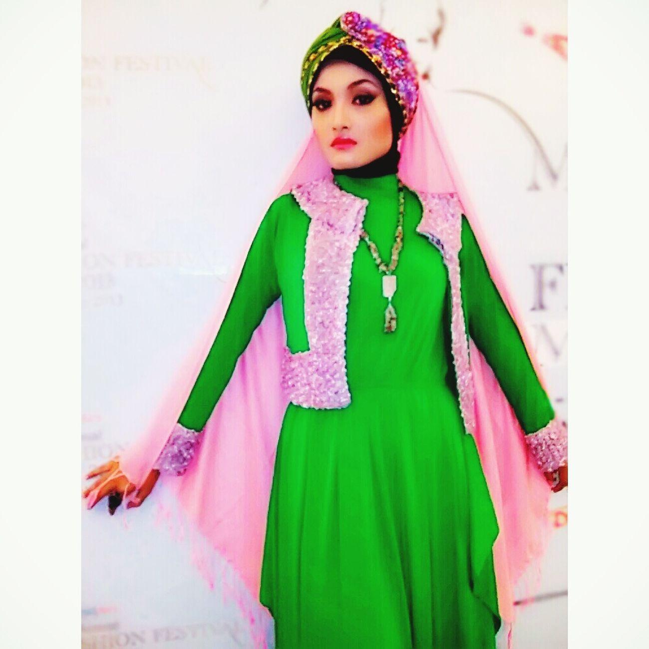 Model Muslim Muslimstyle Muslimahfashion Hijabbeauty Hijabfashion Hijabstyle  Amodelssurabaya Www.amanagementsby.web.id aladdin bunga | model: bunga | MUA & hijab: adie a iskandar
