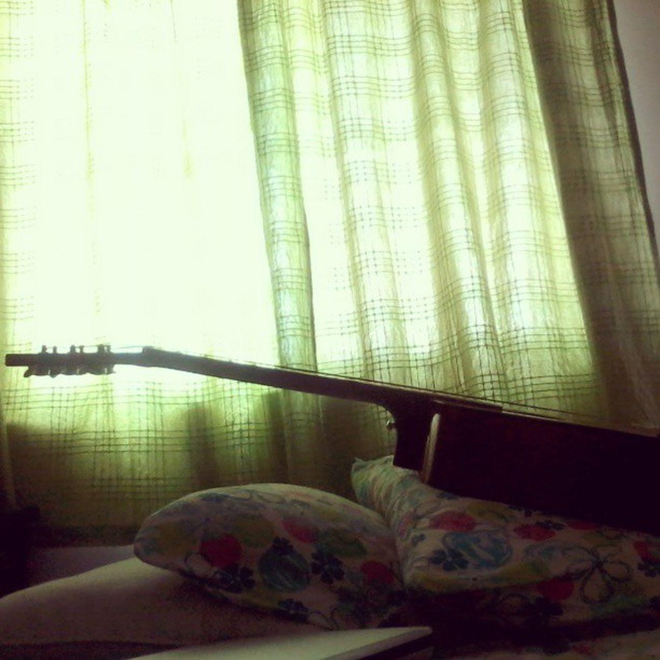 Idle Guitar! Guitar Acoustic Beautiful Love Idle València Instapic
