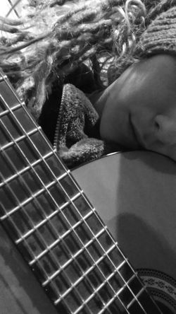 Guitar Time Guitar Dreads Dreadlocks♥ Itscold Unhappy Day Thesoundyouneed