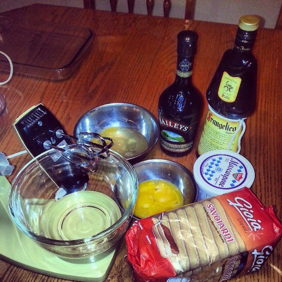 Making TIRAMISU! Birthdaycake My21st Italianlifestyle Magical Excited Tiramisu 21stbday 21st Imhungry Booze Baileys Liquor Coffee Gioiacookies Schoolonmybday Boo Merp Derp Derkader ! <<<<< @chris_mercieca lmaoo Excited Loveit Nomnom Yummy
