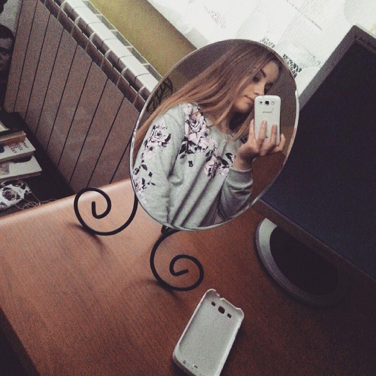 Helloeveryone Hieveryone Goodday Polishgirl mirror selfie instaselfie instaphoto roses tired tiredgirl ineedsleep iwantmoretime tagsforlikes teenager onlyoneday icanhandle byebye goodnight seeya 🙋