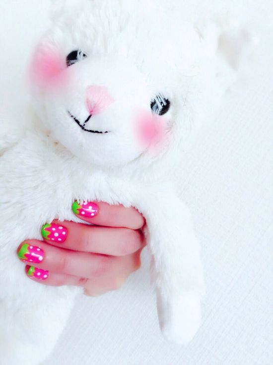 イチゴちゃんnail🍓💅 Lifestyles Pink Color Close-up Human Hand Human Body Part White Background Pink Nail Polish Day Nail Self ネイル ネイルアート セルフ Nails Nailart  いちご Strawberry