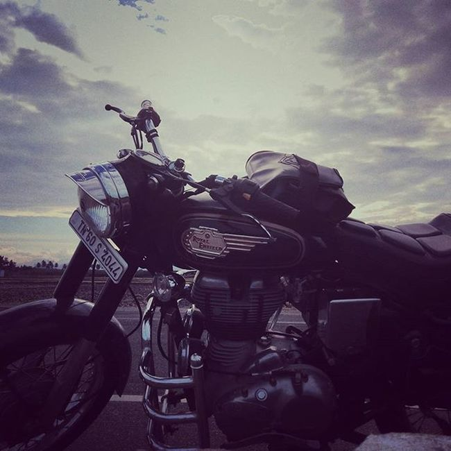 Royalenfield Enfield Beast Pride Indianroads Riders Joyofriding Excitement