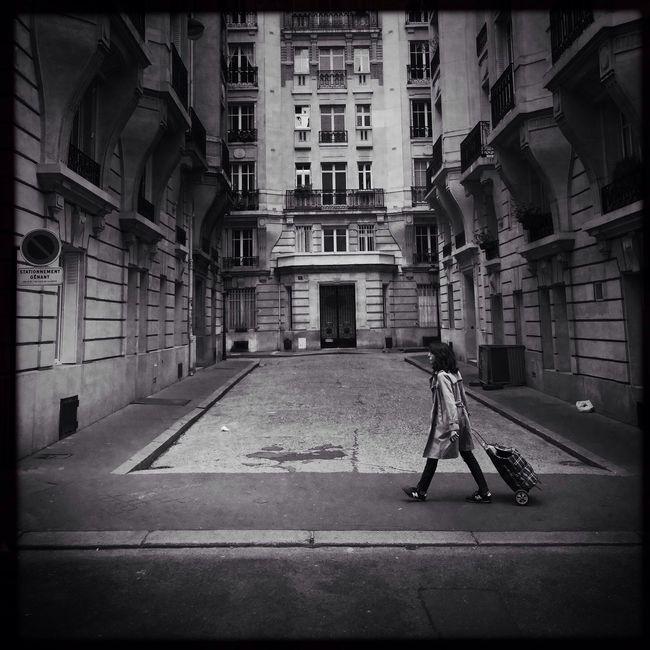 Hipstamatic Black & White Streetphotography AMPt_community Paris