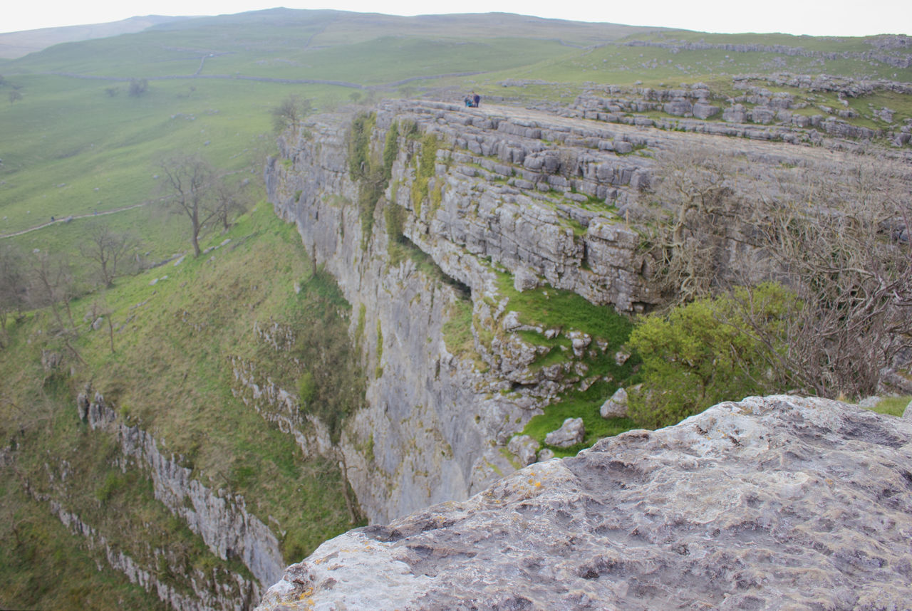 High Angle View Nature Outdoors No People Day Tree Yorkshire Dales Uk Tranquil Scene Beauty In Nature Sky English Countryside Malham Cove United Kingdom Yorkshire Dales Limestone Pavement LimestoneTranquility Limestone Rocks The Great Outdoors - 2017 EyeEm Awards