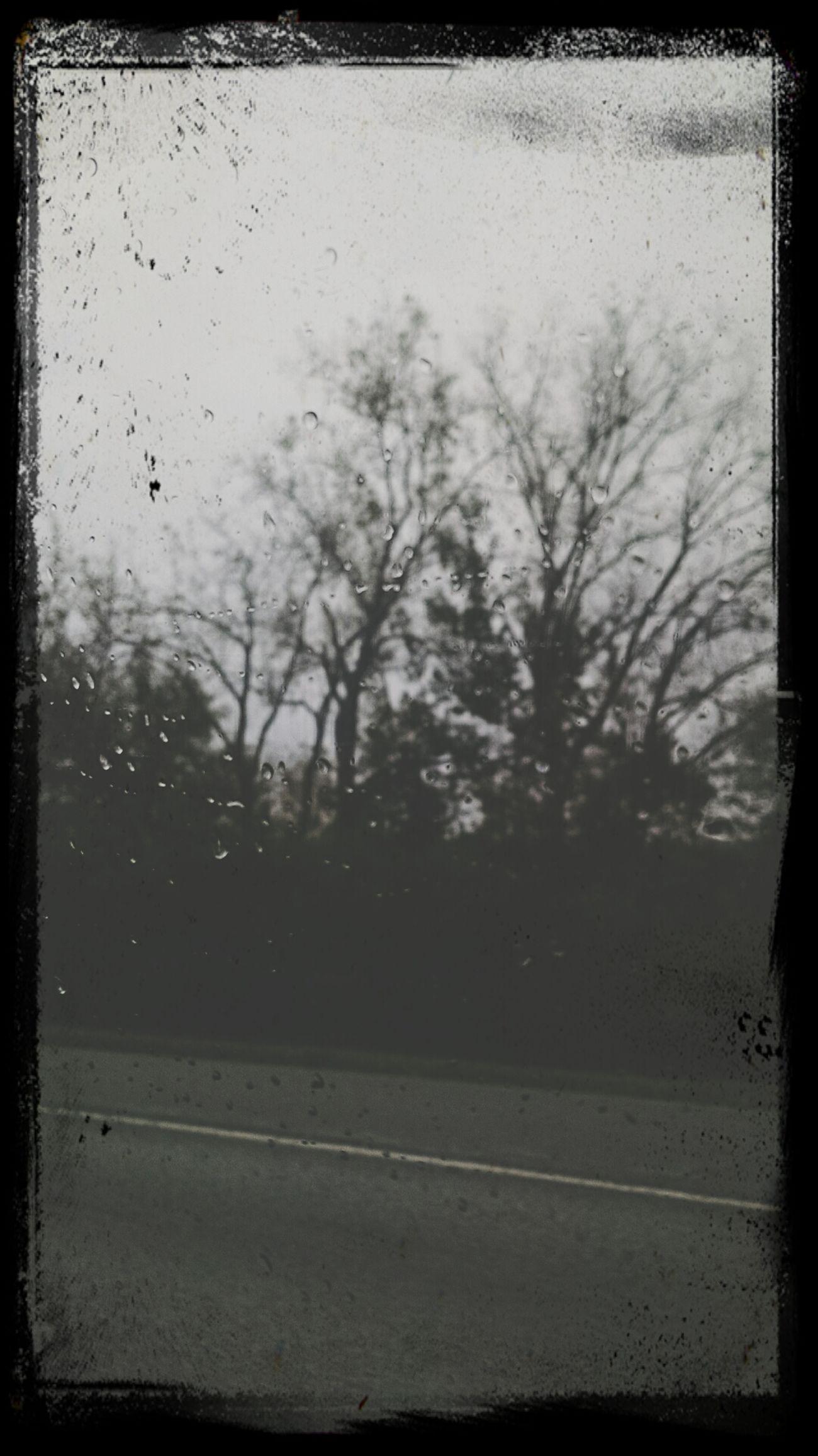 Rainy days are perfect.❤ Rainy Days Raindrops Window CarRides