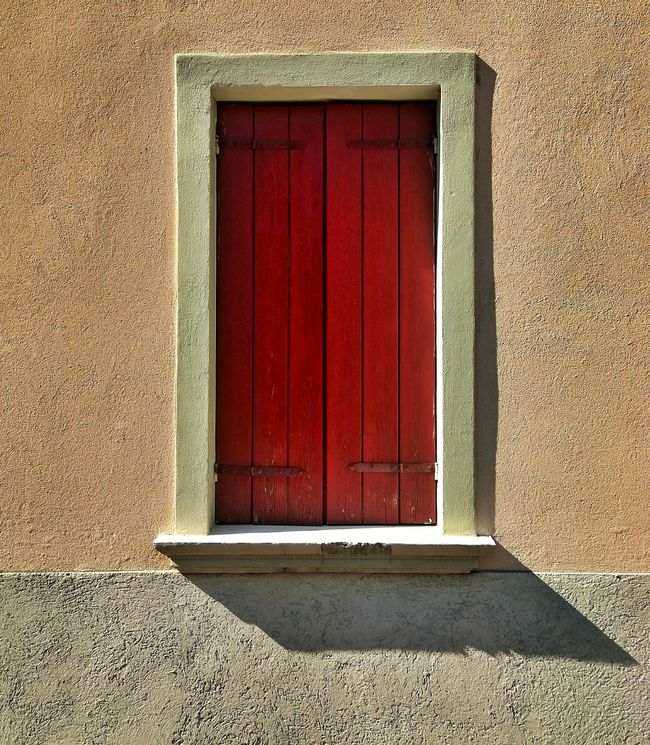No People Built Structure Outdoors Red Building Exterior Close-up Architecture Day Window Shadow Light Frame Delicate Pure Urban Architecture Still Life Gone Thunderstruck Stunning Street Closed After A While Cover Magazine Art Is Everywhere The Street Photographer - 2017 EyeEm Awards EyeEm Selects