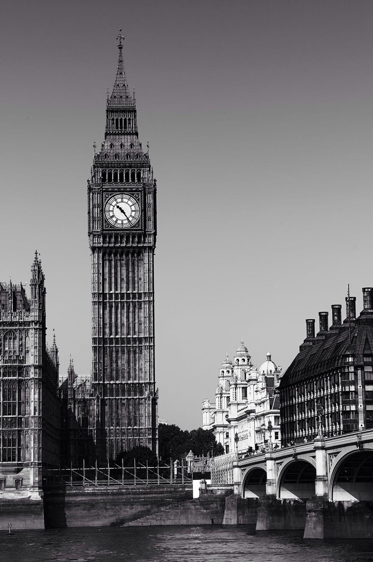 Big Ben London Black And White Monochrome Architecture Battle Of The Cities Thames EyeEm Best Shots - Black + White Black & White Fine Art Bridge Blackandwhite Famous Place Landmark England