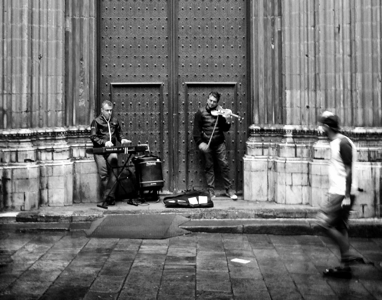 Mi Serie Barcelona Streetphotography Streetphoto_bw Musicians Monochrome Black And White