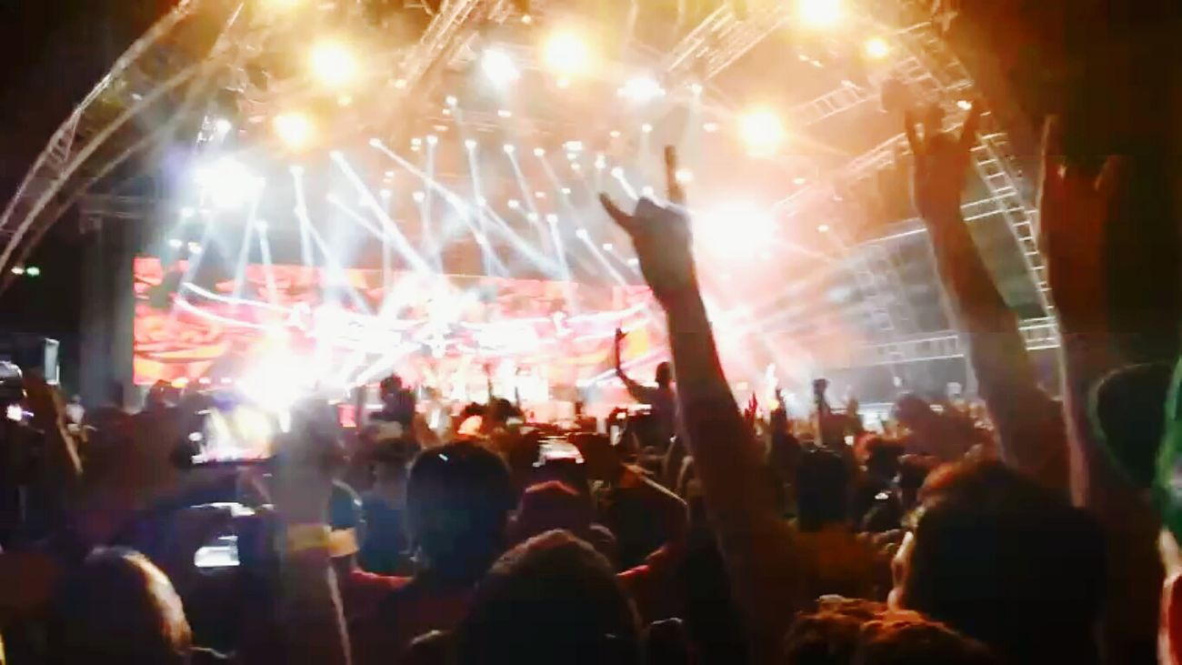 Music Brings Us Together Bahrain Formula 1 Scorpions Rocking Stage Lights United People Allnationals