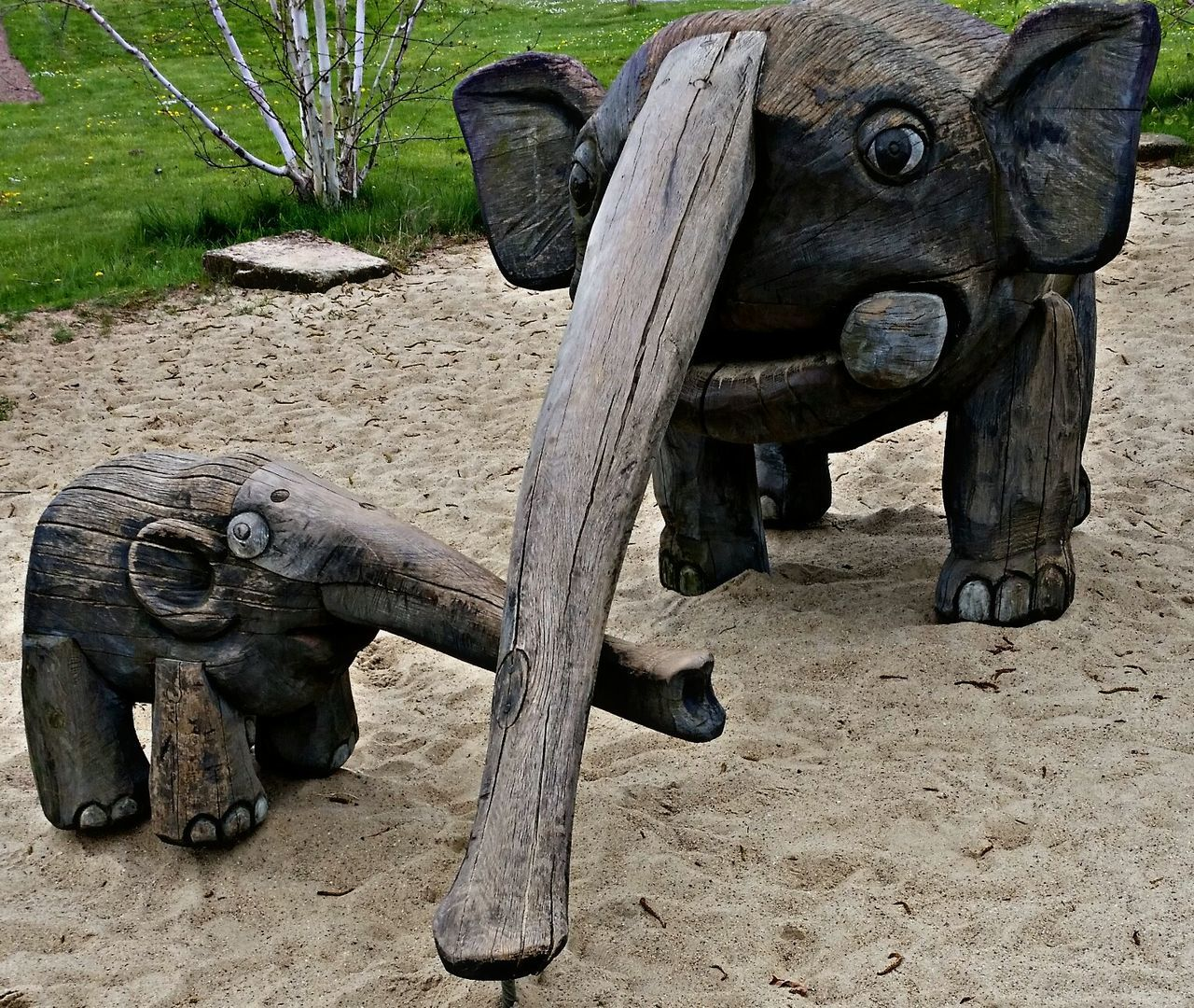 die Rüsselfamily ... the trunk family :-) Holzarbeit Elefanten  Holz Kunst Wood Art Elephant Art Take Photo EyeEm Gallery I Like This EyeEm Eyem Gallery Beliebte Fotos Check This Out The Week On Eyem Hello World Taking Photos EyeEmBestPics Eyemphotography Best Of EyeEm Wood Animals Holztiere Eyeemphotography Take Photos Eyeem Photography I Like It Beautiful