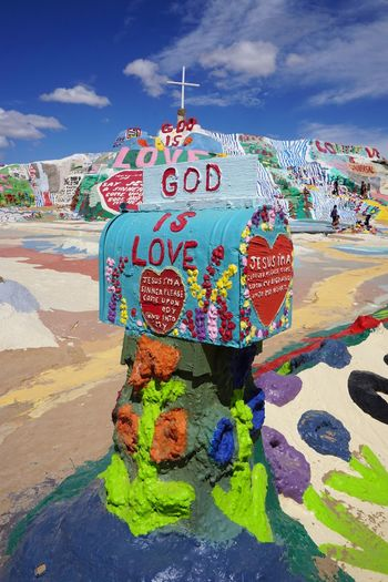 2016 America California Colorful Colors Cute Desert GOOD IS LOVE Hand Made Mountain Painting Salvation Mountain Travel アメリカ サルベーションマウンテン Sky Post