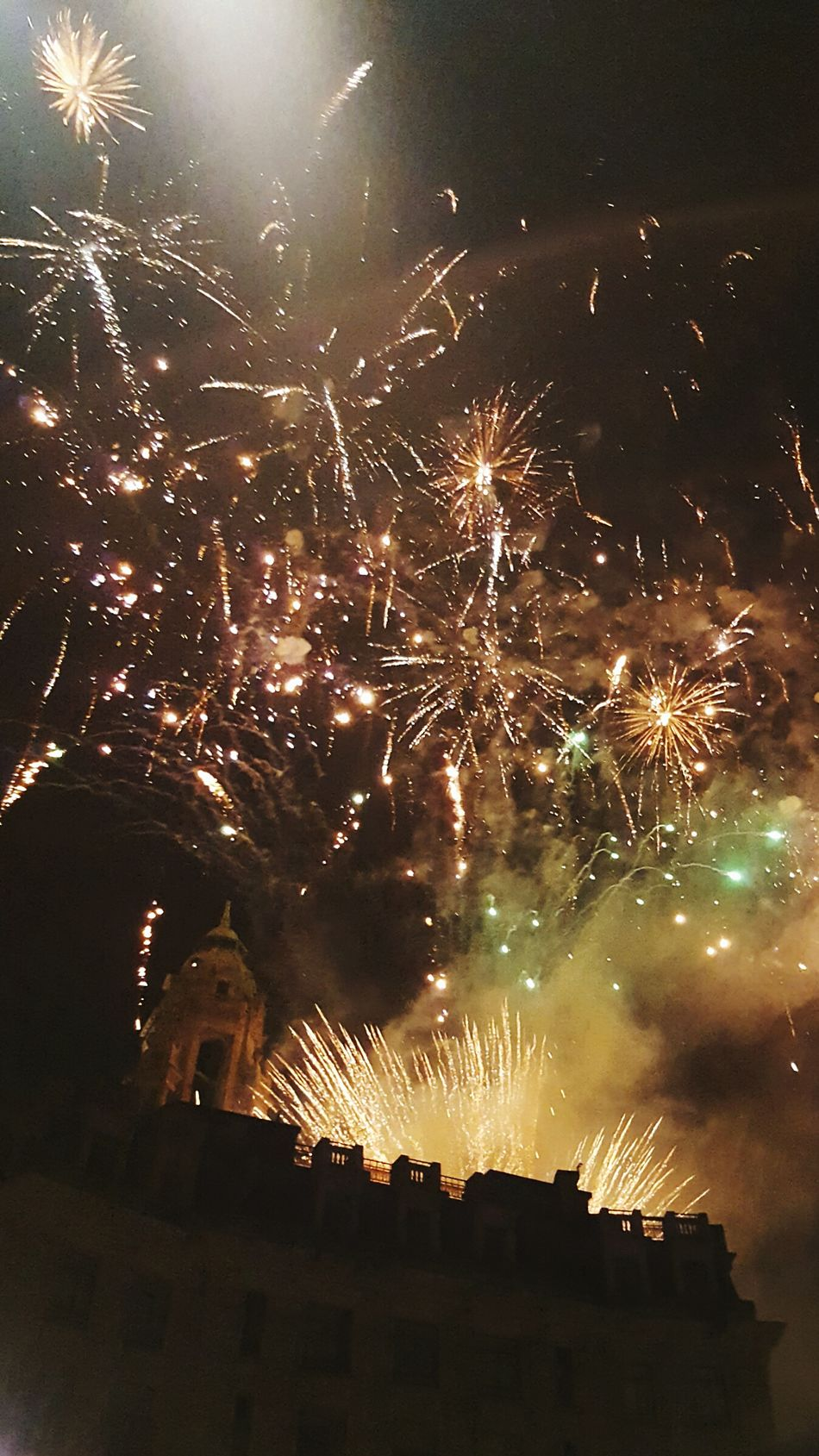 happy new year 🍾🎉 Night City Sky No People Midnight Outdoors Firework Nye2016