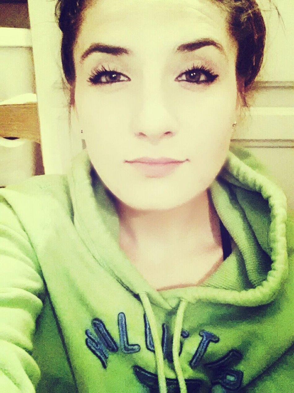 Stunning ;* ♥ Sexyness Big Lips , Beautiful Eyes Long Lashes ^.^